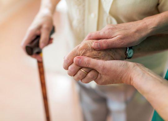 ayuda-a-mayores